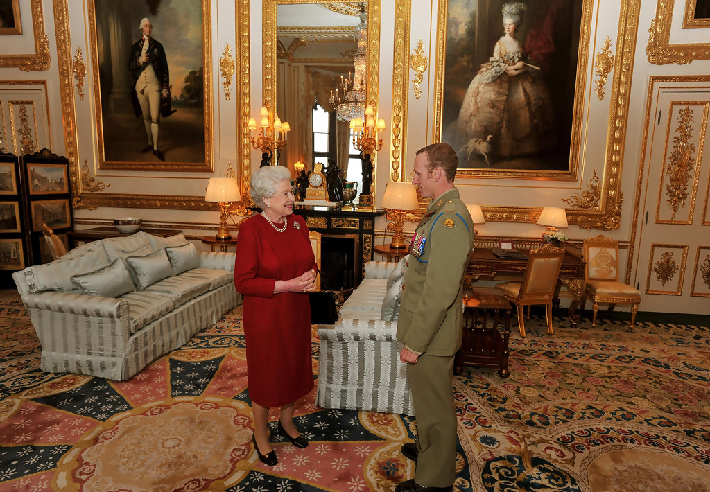 Queen Elizabeth II Photos Photos - Investitures Are Held ...