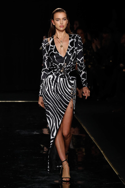 Versace Fall 2019 - Runway [fashion model,fashion show,fashion,runway,clothing,dress,haute couture,fashion design,shoulder,event,versace pre-fall 2019 collection,irina shayk,versace fall,runway,new york city,the american stock exchange]