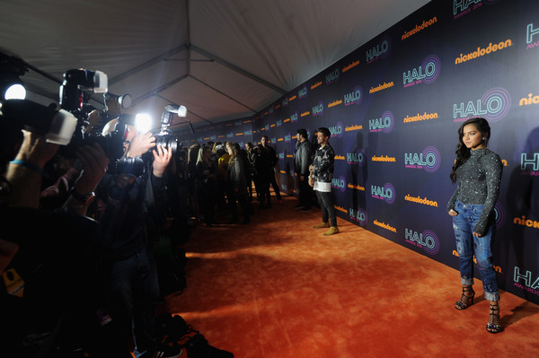 2016 Nickelodeon HALO Awards - Arrivals [flooring,event,red carpet,crowd,premiere,city,performance,arrivals,isabela moner,nickelodeon halo awards,awards,nickelodeon halo,new york city,basketball city pier 36 - south street]