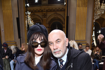 Isabelle Adjani Lanvin : Front Row  - Paris Fashion Week Womenswear Fall/Winter 2017/2018