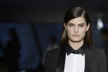 Isabelli Fontana Karl Lagerfeld for Riachuelo - Runway - SPFW Summer 2017