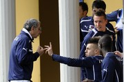 (L-R)  Stephan El Shaarawy, Mario Balotelli of Italy and Doctor Enrico Castellacci (L) during an Italy training session at Coverciano on March 24, 2013 in Florence, Italy.