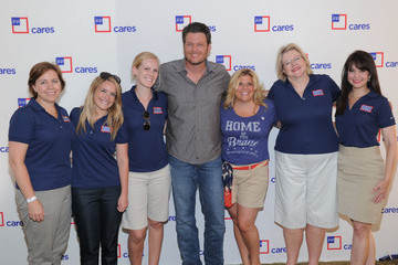 Jennifer Kovacs JCPENNEY and JCP Cares Ambassador Blake Shelton Announce Donation To USO