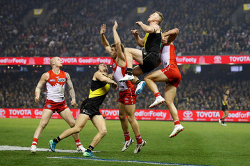 Jack Riewoldt Jason Castagna AFL Rd 15 - Richmond vs. Sydney