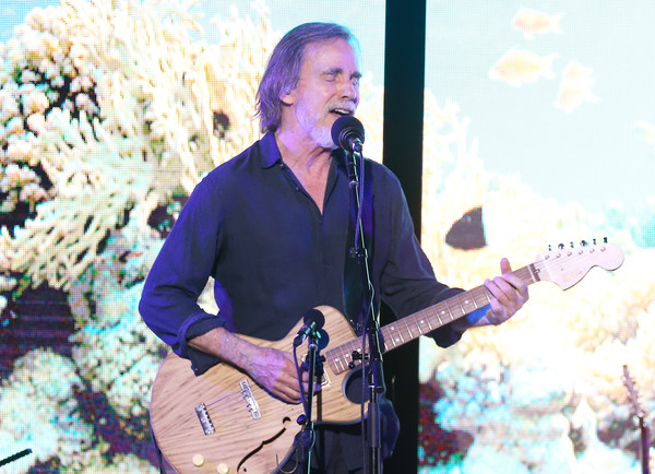 2019 SeaChange Summer Party Benefitting Oceana [string instrument,musician,guitar,musical instrument,music,performance,guitarist,entertainment,plucked string instruments,jackson browne,seachange,seachange summer party,oceana,laguna beach,california]