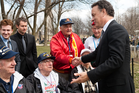 World War II Memorial Ceremony To Pay Tribute To The Vetrans Of The Pacific [the pacific,event,ceremony,tom hanks,veterans,tribute,true stories,pacific,world war ii memorial ceremony to pay tribute to the vetrans of the pacific,world war ii,ceremony,world war ii memorial]