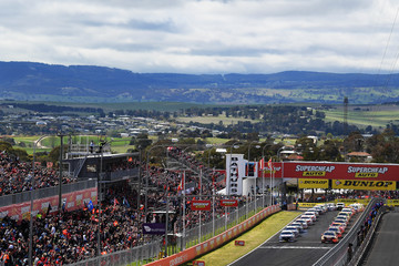 Jamie Whincup Supercars - Bathurst 1000: Race