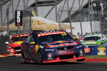 Jamie Whincup Supercars - Clipsal 500 Adelaide: Top 10 Shootout & Race 1