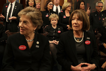 Jan Schakowsky Members of Congress Wear Black for SOTU in Solidarity With Sexual Harassment Victims