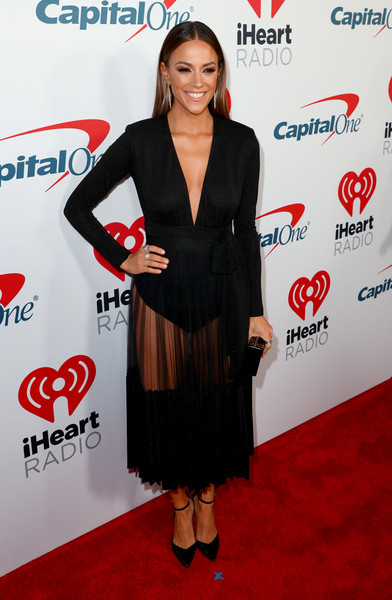 b499b7b3c6c 2019 iHeartRadio Podcast Awards Presented By Capital One – Red Carpet