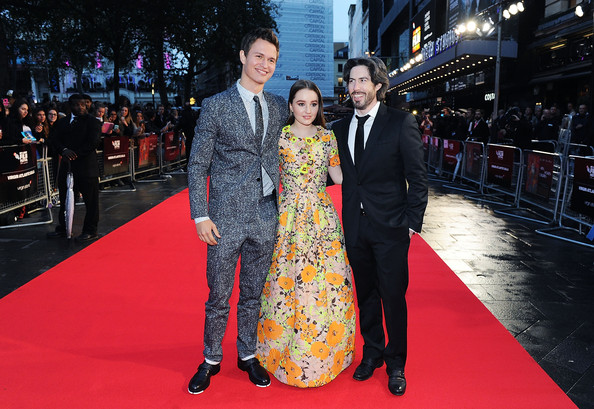 'Men, Women & Children' Premieres in London [red carpet,carpet,flooring,premiere,event,fashion,suit,dress,formal wear,ceremony,jason reitman,ansel elgort,kaitlyn dever,european,odeon covent garden,england,men women children,paramount pictures,premiere,european premiere]