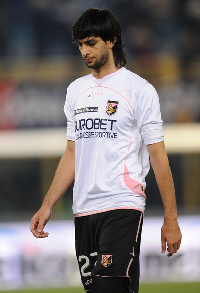 Javier Pastore Javier Pastore of Palermo looks dejected after losing the Serie A match between Bologna FC and US Citta di Palermo at Stadio Renato Dall'Ara on February 19, 2011 in Bologna, Italy.