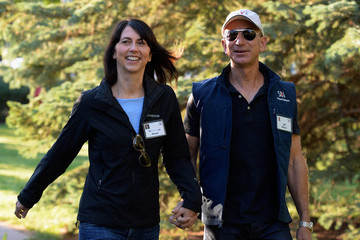 Jeff Bezos Business Leaders Meet in Sun Valley for Conference