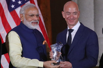 Jeff Bezos Indian Prime Minister Narendra Modi Holds Discussion With Amazon's Jeff Bezos And Cisco CEO John Chambers