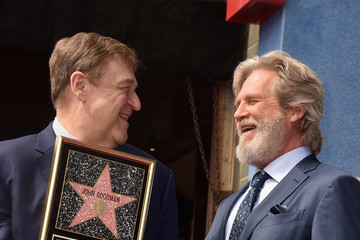 Jeff Bridges John Goodman Honored With Star On The Hollywood Walk Of Fame