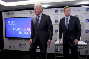 Jeff Immelt GE CEO And NFL Commissioner Goodell Announce Initiative To Study Concussions