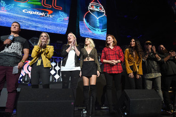 Jenna Owens 106.1 KISS FM's Jingle Ball 2017 - SHOW