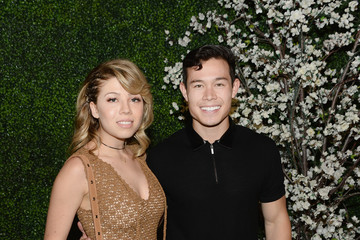 Jennette McCurdy alice + olivia by Stacey Bendet and Neiman Marcus Present See-Now-Buy-Now Runway Show - Arrivals