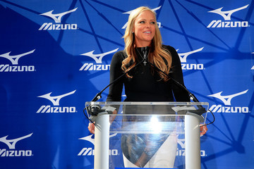 Jennie Finch Grand Opening of the Mizuno Experience Center