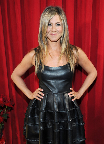 Jennifer Aniston - 39th Annual People's Choice Awards - Backstage And Audience