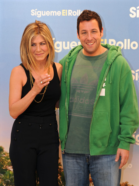 Jennifer Aniston Actress Jennifer Aniston (L) and actor Adam Sandler attend a photo call to promote their new movie 'Just go with it' on February 22, 2011 in Madrid, Spain.