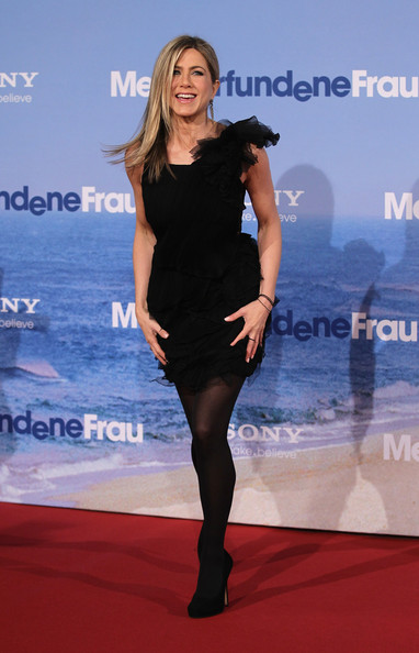 Jennifer Aniston Actress Jennifer Aniston attends the 'Meine Erfundene Frau' (Just go with it) Germany Premiere at CineStar on February 21, 2011 in Berlin, Germany.