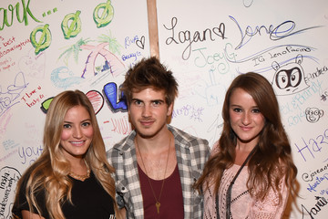 Jennifer Grace ARIZONA JEAN CO. Hosts VIP Event In Los Angeles With Tori Kelly And Becky G
