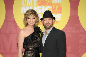 Jennifer Nettles 2011 CMT Music Awards - Red Carpet
