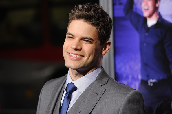 jeremy jordan right kind of love