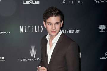 Jeremy Irvine Stars at the Weinstein Company/Netflix's Golden Globes Afterparty