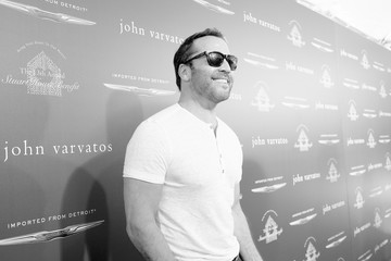 Jeremy Piven John Varvatos 13th Annual Stuart House Benefit Presented by Chrysler With Kids' Tent by Hasbro Studios - Arrivals