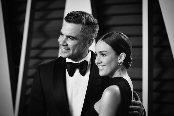 2019 Vanity Fair Oscar Party Hosted By Radhika Jones - Arrivals [image,photograph,suit,black-and-white,formal wear,beauty,snapshot,fashion,monochrome photography,monochrome,photography,radhika jones - arrivals,cash warren,jessica alba,radhika jones,color version,california,beverly hills,oscar party,vanity fair]