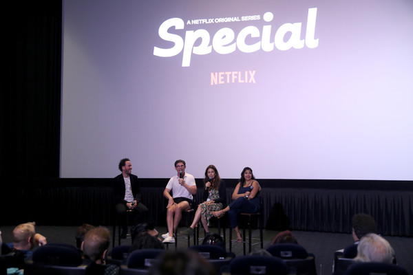 Netflix Special Event [event,convention,presentation,fashion,design,academic conference,public speaking,performance,crowd,auditorium,kyle buchanan,jessica hecht,tmconnell,ryan o\u00e2,punam patel,l-r,arclight hollywood,california,netflix special event]
