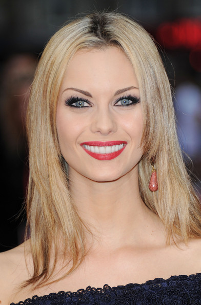 Jessica Jane Clement - Wallpapers
