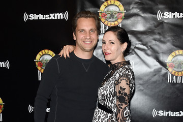 Jill Kargman SiriusXM's Private Show With Guns N' Roses At The Apollo Theater Before Band Embarks On Next Leg Of Its North American 'Not In This Lifetime' Tour