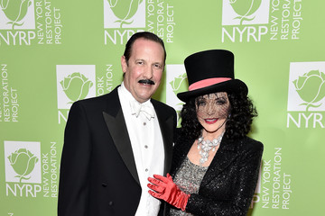 Joan Collins Percy Gibson Bette Midler's 2019 Hulaween