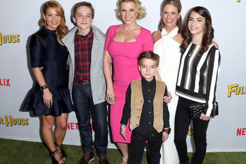 Jodie Sweetin Candace Cameron Bure Premiere of Netflix's 'Fuller House' - Arrivals