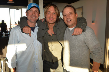 Joe Fisher Keith Urban Celebrates His Hit New Song