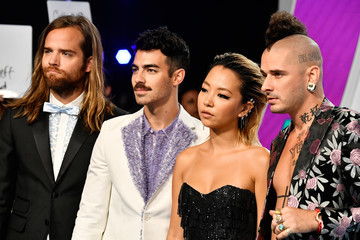 Joe Jonas Jack Lawless 2017 MTV Video Music Awards - Arrivals