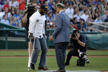Joe Torre Lawmakers Play in Congressional Baseball Game One Day After Shooting Incident