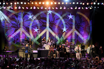 Joe Walsh Ringo Starr And His All Starr Band Perform At The Greek Theatre
