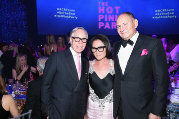 John Demsey Breast Cancer Research Foundation Hot Pink Gala Hosted By Elizabeth Hurley - Inside