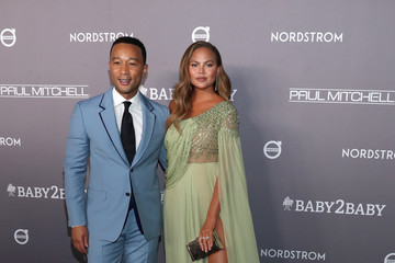 John Legend Chrissy Teigen 2019 Baby2Baby Gala Presented By Paul Mitchell - Red Carpet