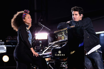 John Mayer Alicia Keys Celebrates Upcoming New Album 'HERE' With Special Show in Times Square