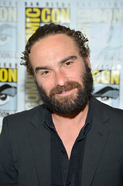 johnny galecki height weight