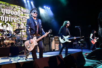 Johnny Depp The Hollywood Vampires Perform At The Greek Theatre