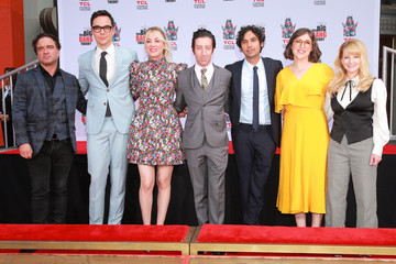 Johnny Galecki Mayim Bialik The Cast Of 'The Big Bang Theory' Places Their Handprints In The Cement At The TCL Chinese Theatre IMAX Forecourt