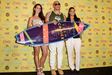 Jordana Brewster Michelle Rodriguez Stars Attend the Teen Choice Awards 2015