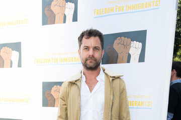 Joshua Jackson Families Belong Together - Freedom For Immigrants March Los Angeles