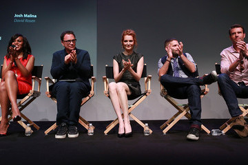 Joshua Malina Darby Stanchfield 'Scandal' Stars Hang at the Apple Store